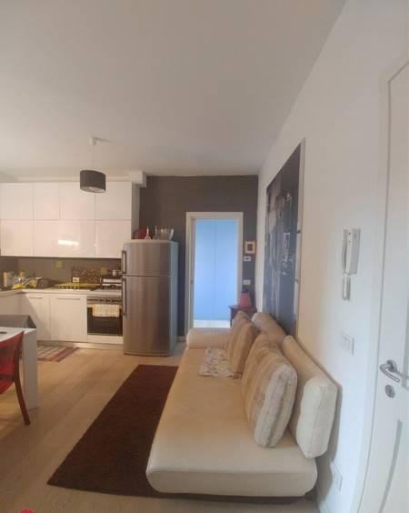 Appartamento in ottime condizioni parzialmente arredato in vendita Rif. 9142152