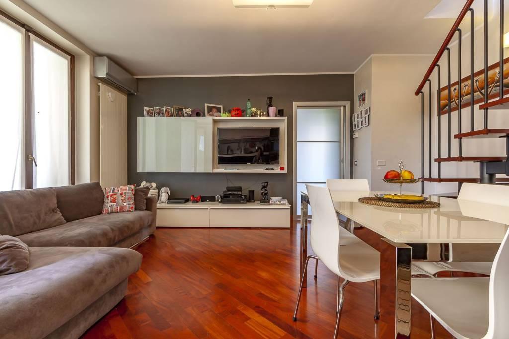 Appartamento in buone condizioni in vendita Rif. 7768042