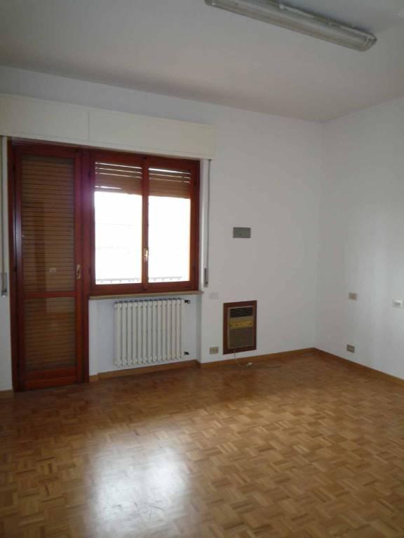 Appartamento in ottime condizioni in affitto Rif. 7767429