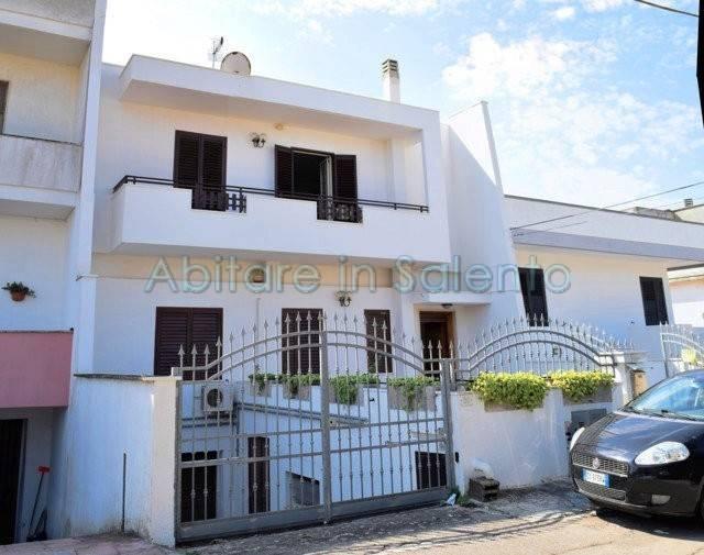 Appartamento quadrilocale in vendita a Presicce (LE)