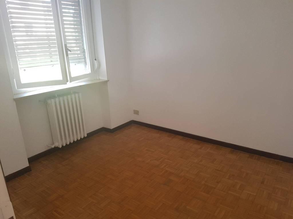 Appartamento in affitto a Pavia, 4 locali, prezzo € 300 | CambioCasa.it