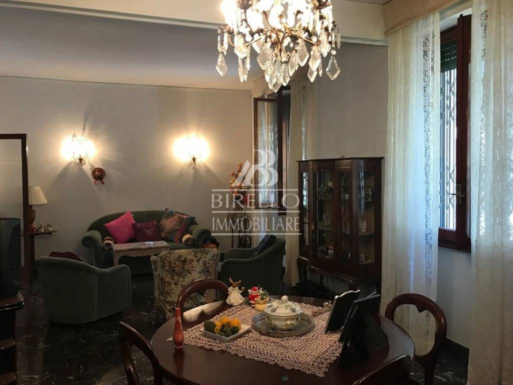 Appartamento in Vendita a Firenze Semicentro Est: 5 locali, 96 mq