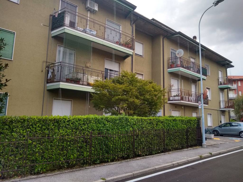 Appartamento in buone condizioni in vendita Rif. 7769492