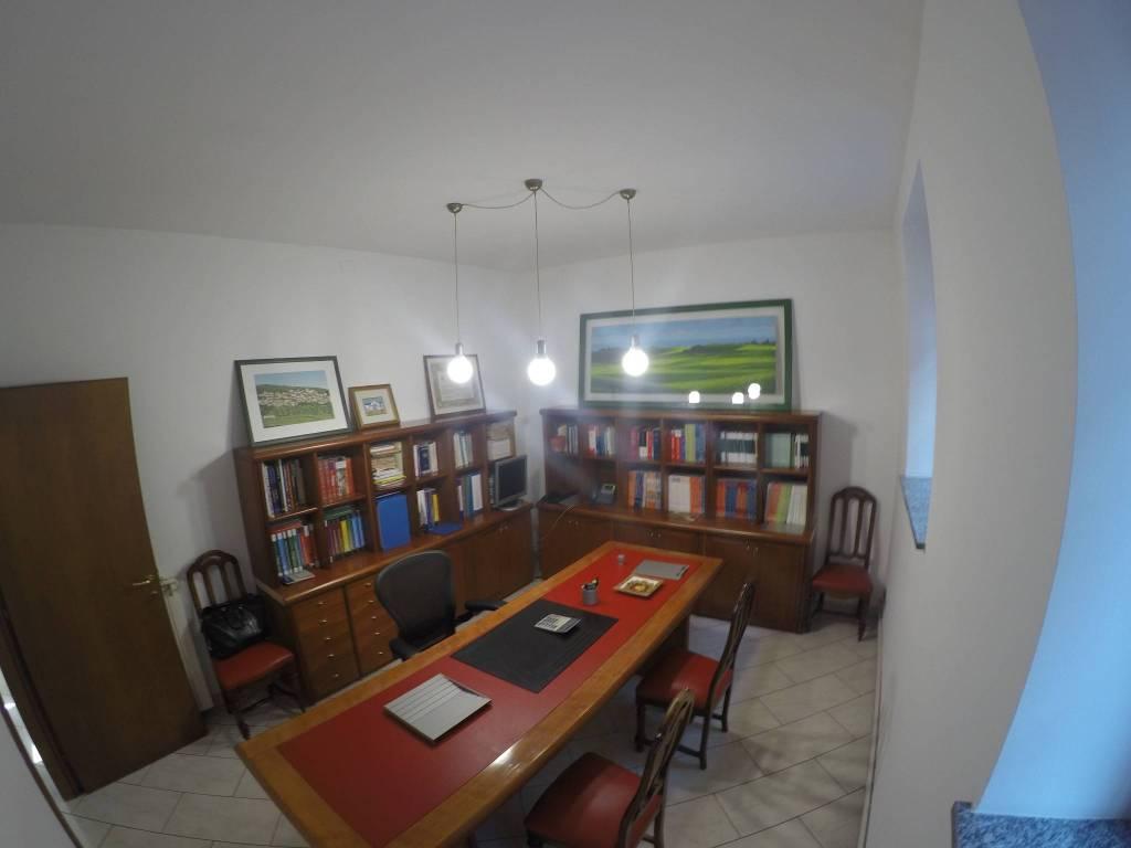 Appartamento in ottime condizioni in vendita Rif. 7770358
