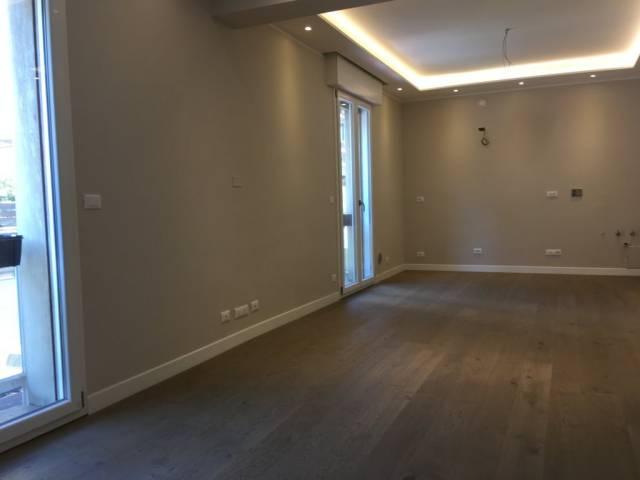 Appartamento in vendita 3 vani 100 mq.  via San Mamolo 62 Bologna