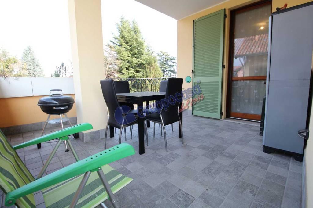 Appartamento in ottime condizioni in vendita Rif. 7766518