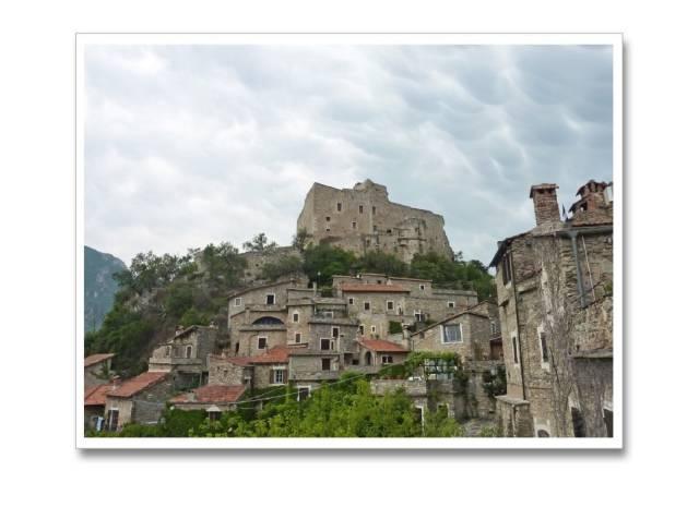 Foto 1 di Appartamento Castelvecchio di Rocca Barbena