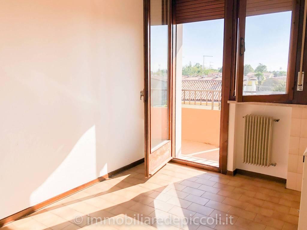 Appartamento in buone condizioni in vendita Rif. 7770109