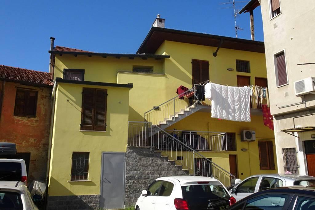 Appartamento in buone condizioni arredato in affitto Rif. 7767350