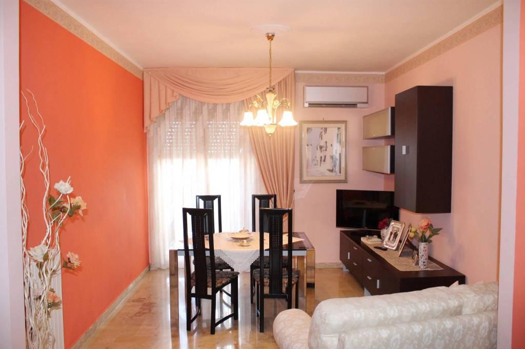 Appartamento in buone condizioni in vendita Rif. 7767752