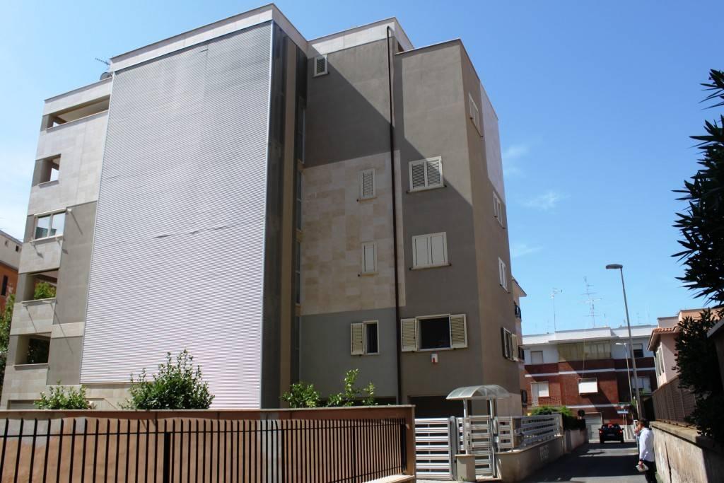 Appartamento in ottime condizioni in vendita Rif. 7832503