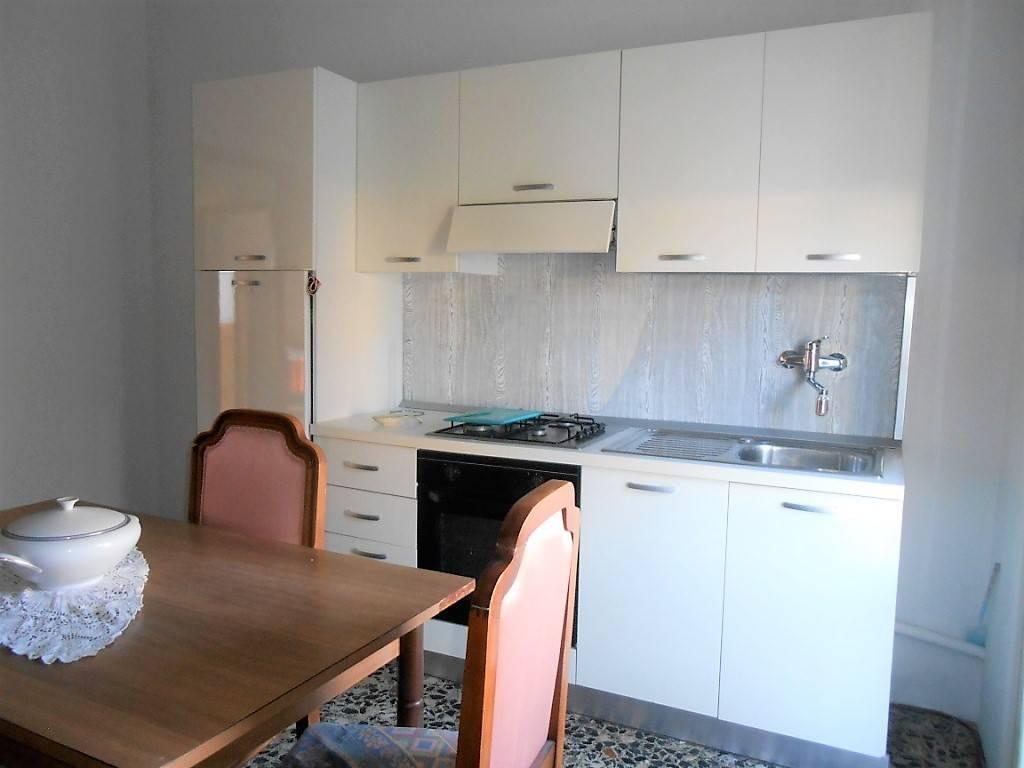 Appartamento in buone condizioni arredato in vendita Rif. 7793018