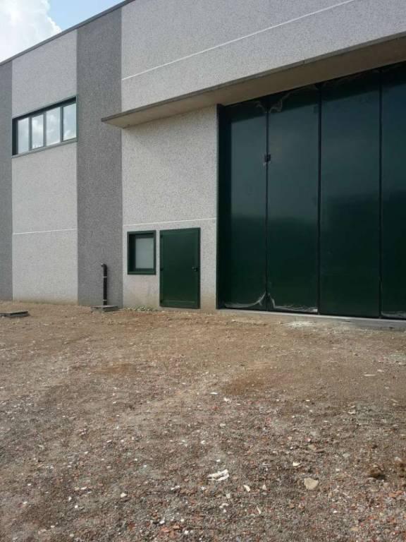 Capannone in vendita a Olgiate Comasco, 2 locali, prezzo € 560.000 | PortaleAgenzieImmobiliari.it
