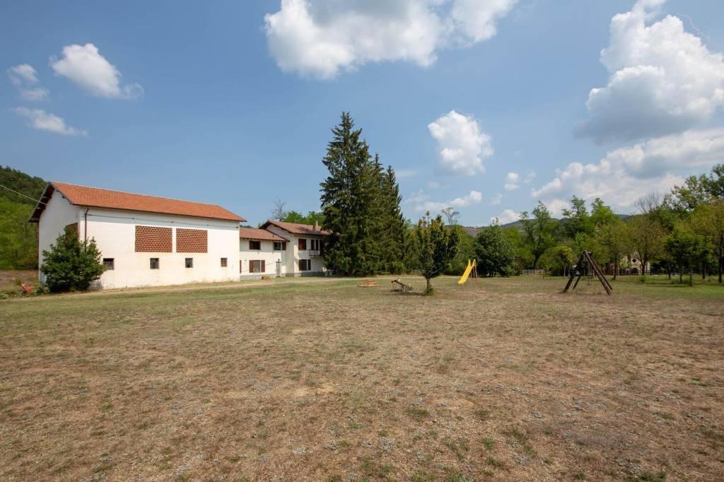 Rustico / Casale in vendita a Pareto, 9 locali, prezzo € 490.000 | PortaleAgenzieImmobiliari.it