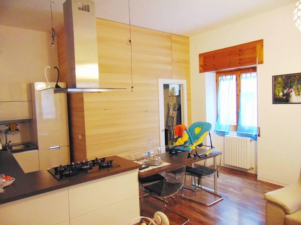Appartamento in ottime condizioni in vendita Rif. 7779972