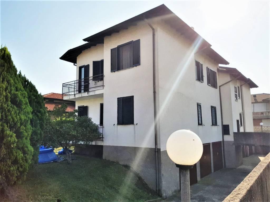 Appartamento in ottime condizioni in vendita Rif. 7780117