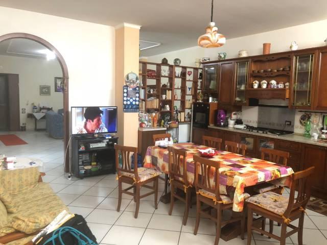 Appartamento in ottime condizioni in vendita Rif. 4299275