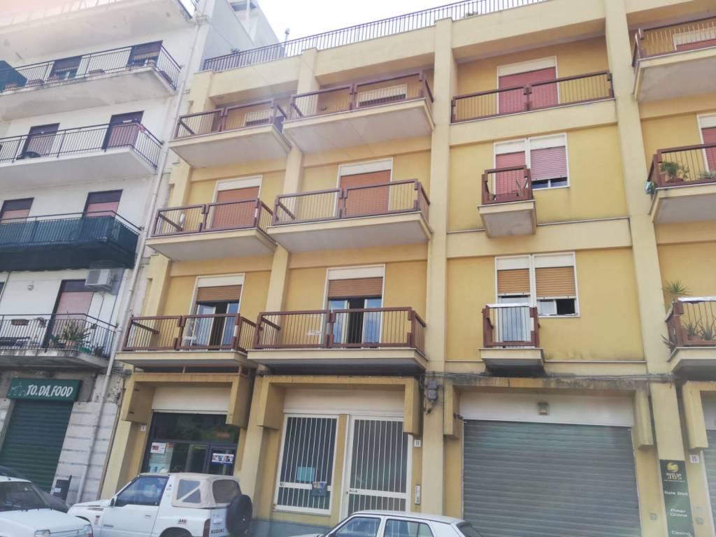 Appartamento in buone condizioni in vendita Rif. 8204721