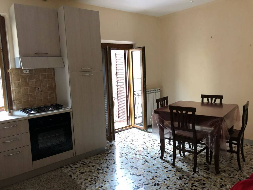Appartamento in buone condizioni arredato in affitto Rif. 7781370