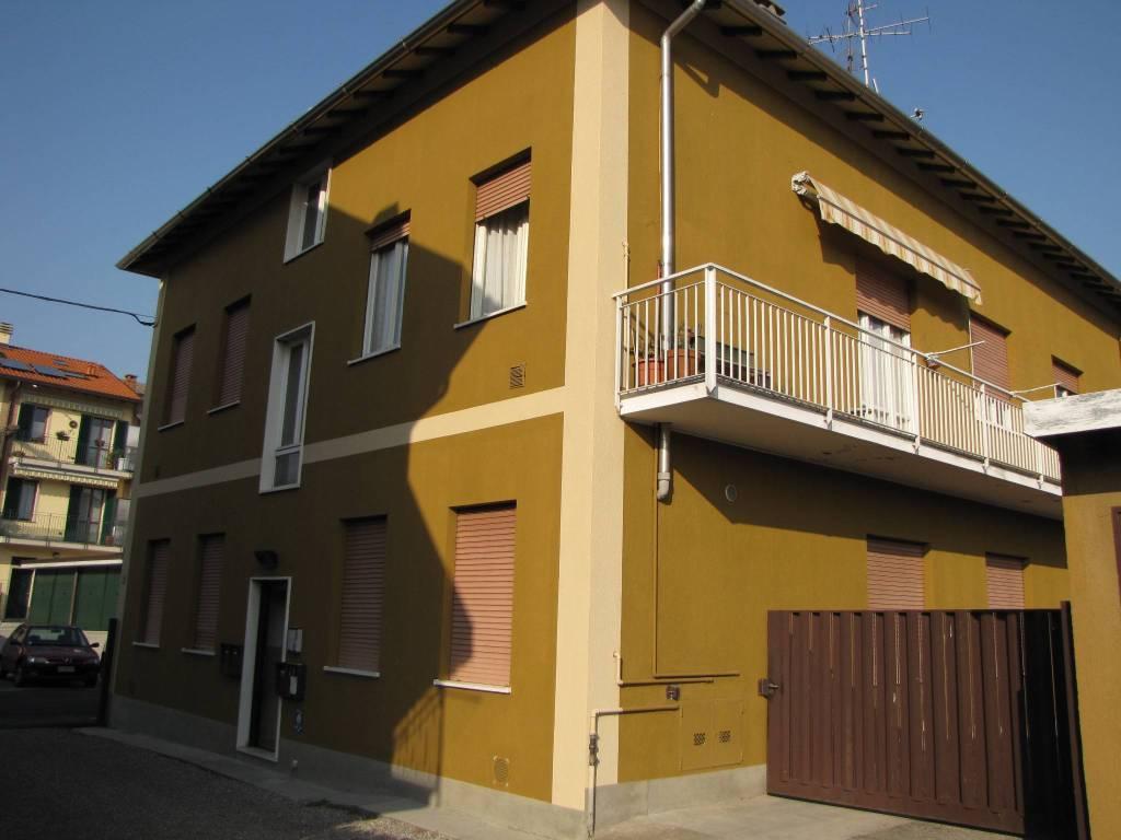 Appartamento in buone condizioni in vendita Rif. 7779977