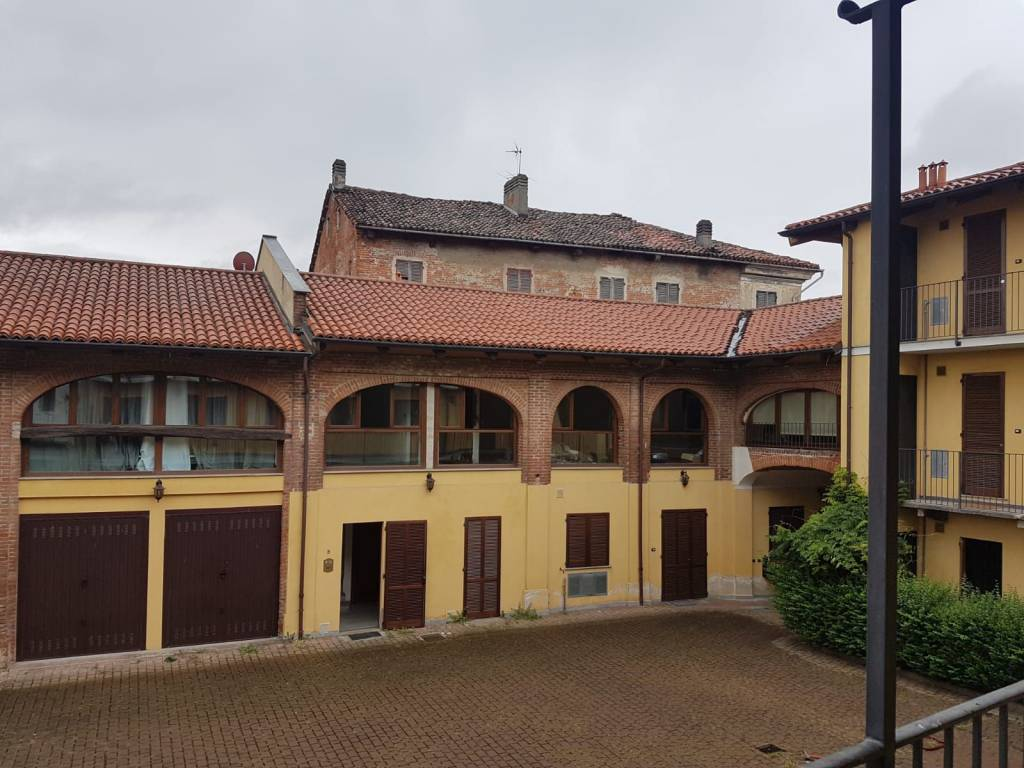 Appartamento in ottime condizioni arredato in vendita Rif. 7783121