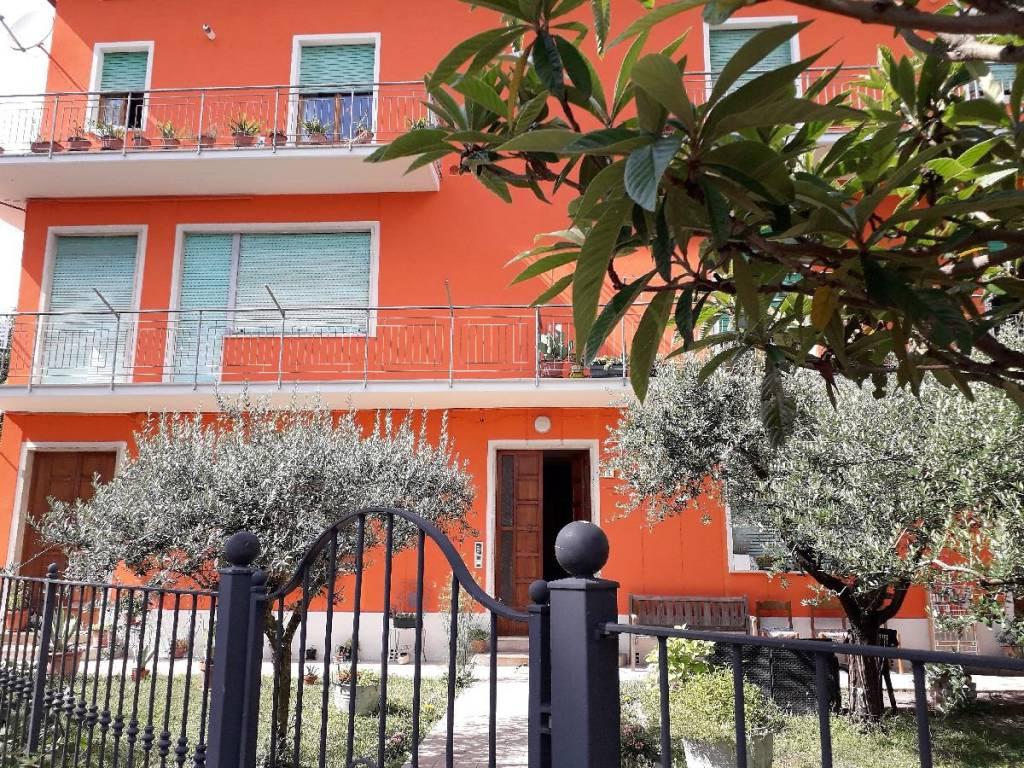 Appartamento in buone condizioni in vendita Rif. 7779746