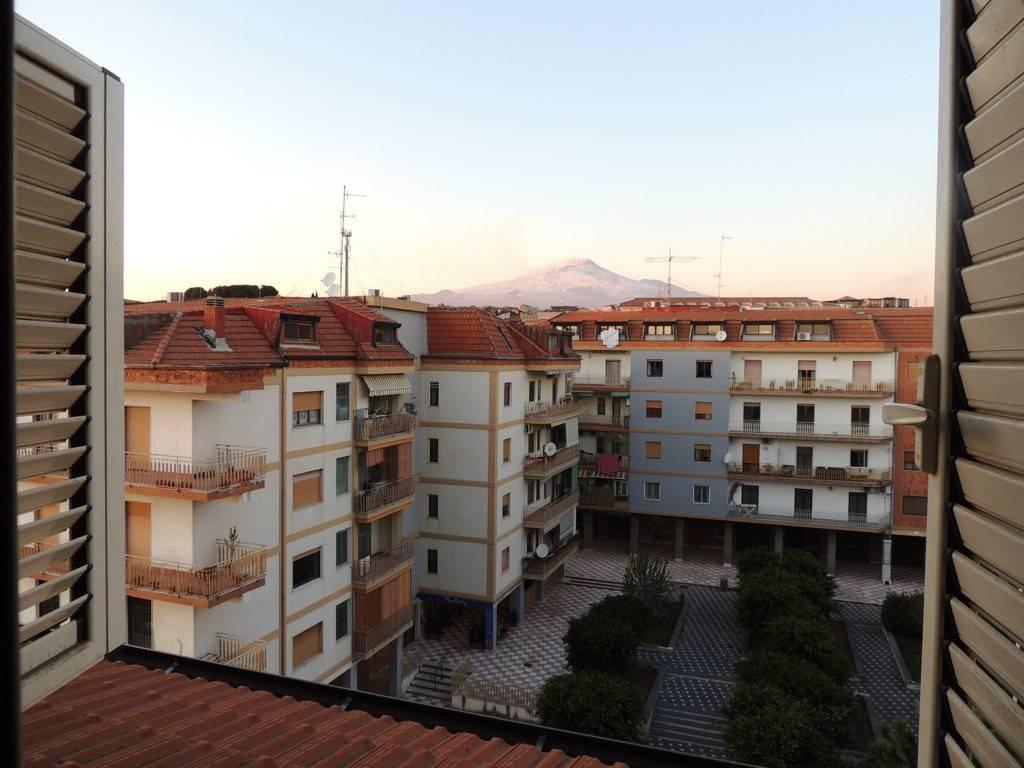 Mansarda 3 vani in vendita a Gravina di Catania Vista Etna