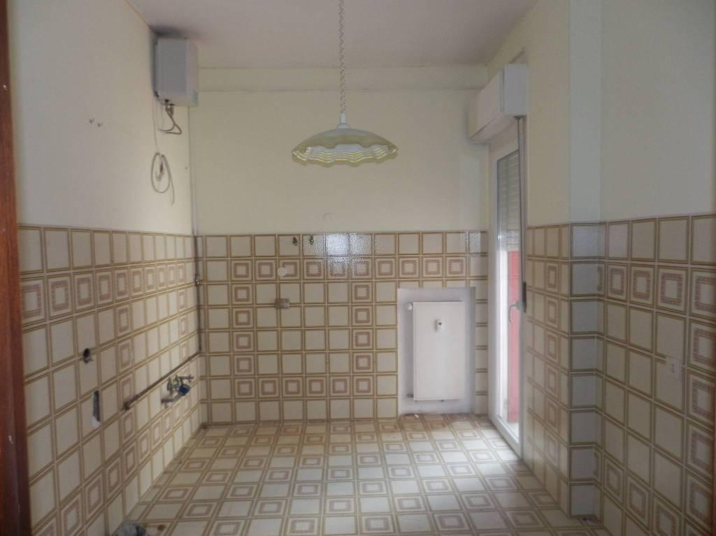 Appartamento in buone condizioni in affitto Rif. 7781455