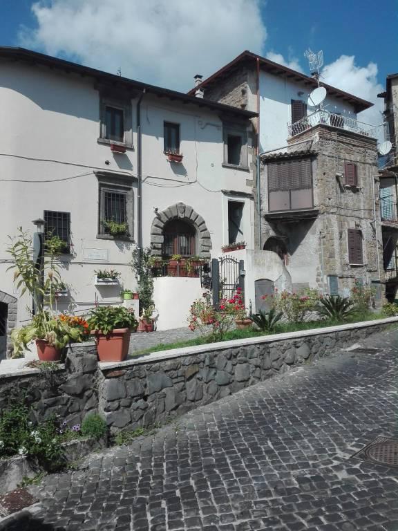 Appartamento in ottime condizioni arredato in vendita Rif. 7782534