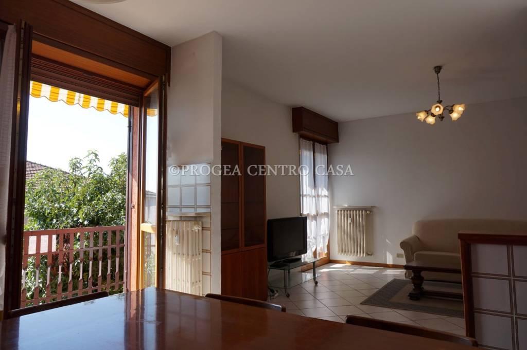 Appartamento in ottime condizioni arredato in affitto Rif. 7781278