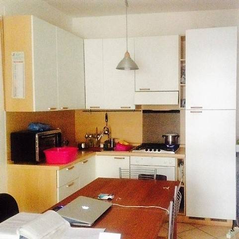 Appartamento in buone condizioni arredato in affitto Rif. 7780113