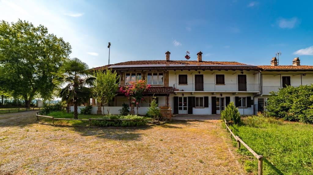 Villa in buone condizioni in vendita Rif. 7785460