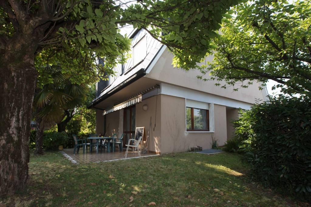 Villa in Vendita a Arese