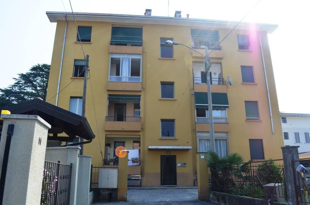 Appartamento da ristrutturare parzialmente arredato in vendita Rif. 7782854