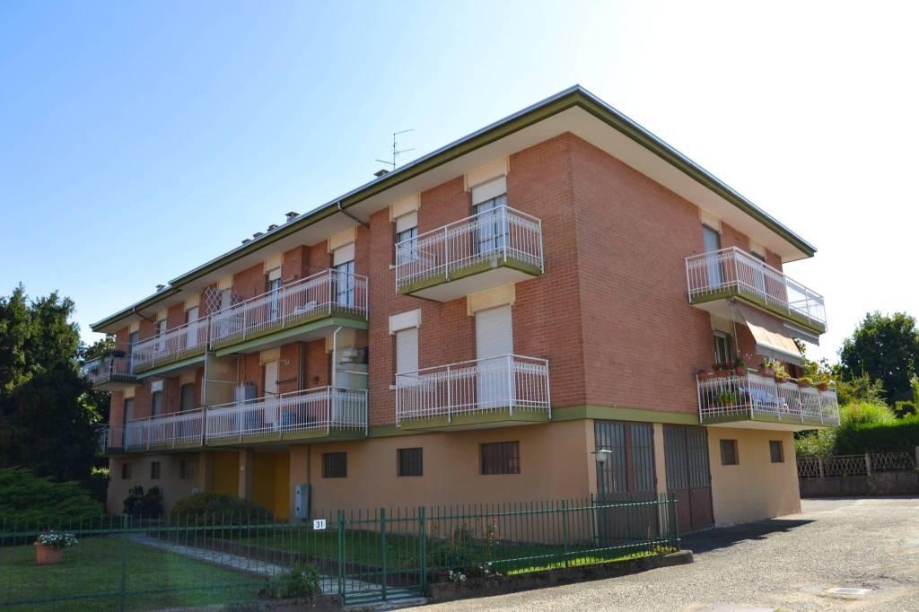 Appartamento in buone condizioni in affitto Rif. 7783421