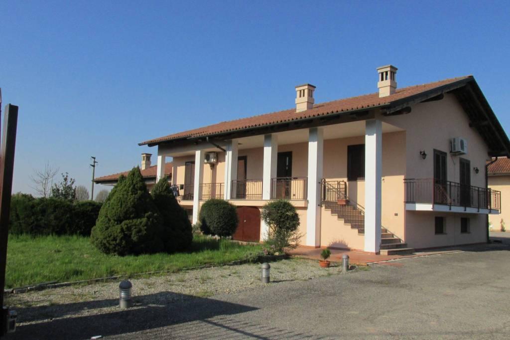 Villa in buone condizioni in affitto Rif. 7721540