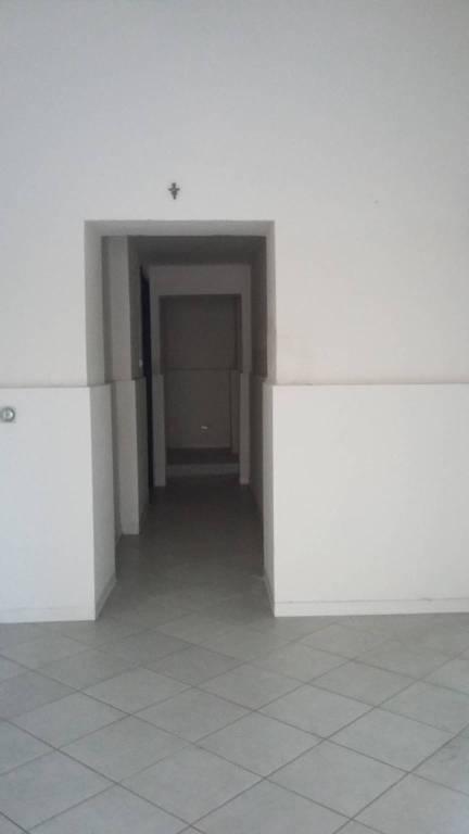Pontedera affittasi fondo Rif. 7783614