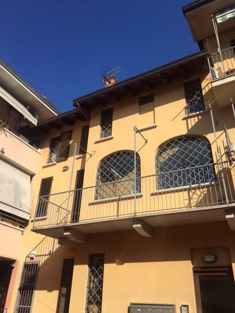 Appartamento in ottime condizioni in affitto Rif. 7781353