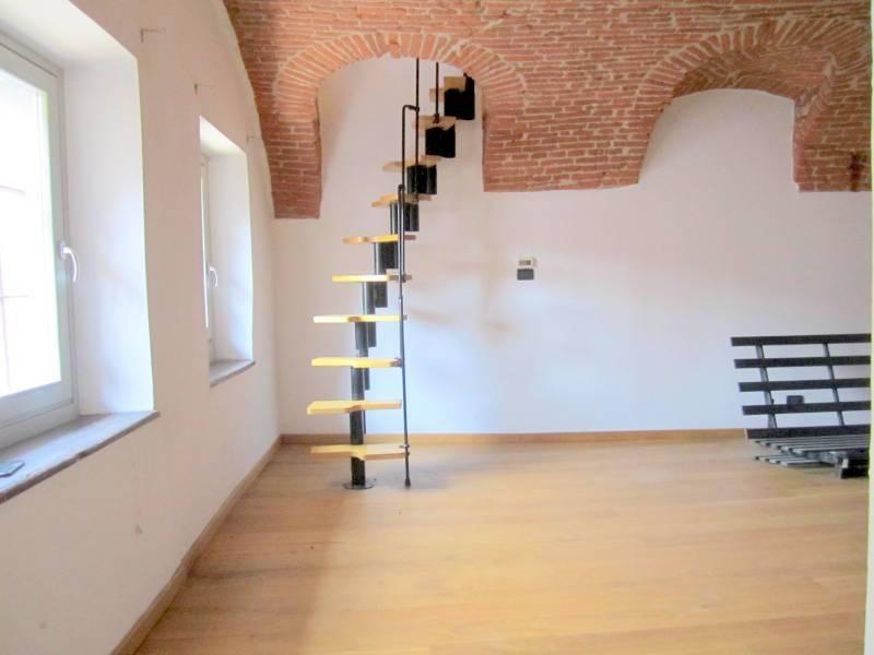 Appartamento in ottime condizioni in vendita Rif. 7782485