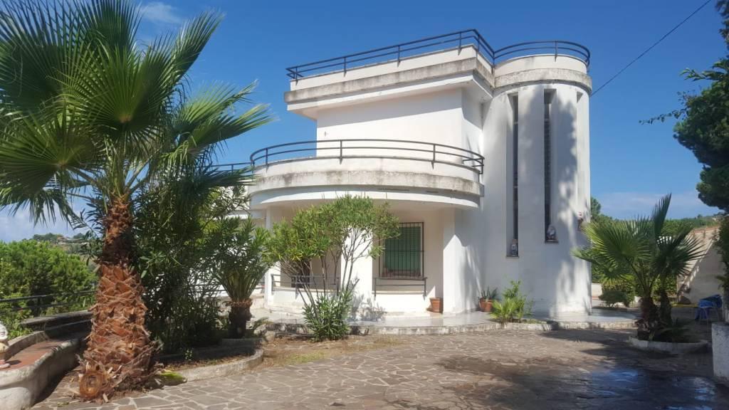 Villa in buone condizioni in vendita Rif. 7781088
