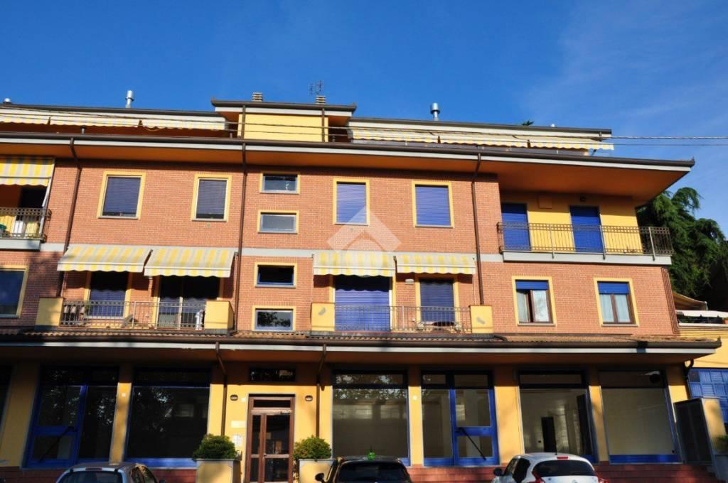 Appartamento in ottime condizioni in vendita Rif. 9272630