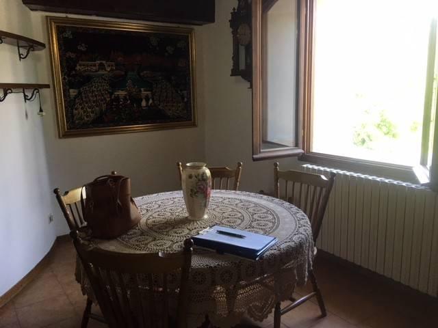 Appartamento in buone condizioni parzialmente arredato in vendita Rif. 7847611