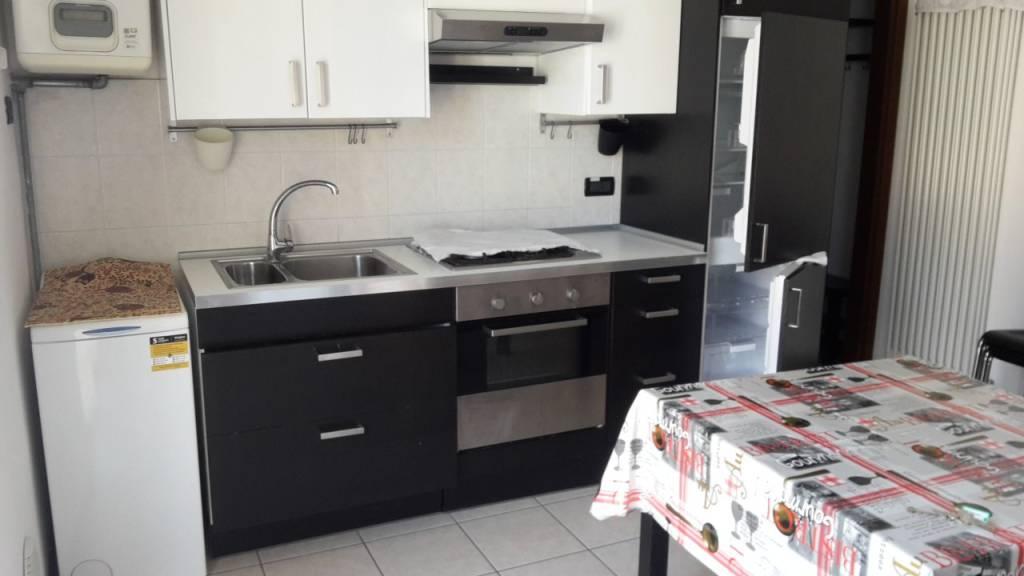 Appartamento in ottime condizioni arredato in affitto Rif. 7907997