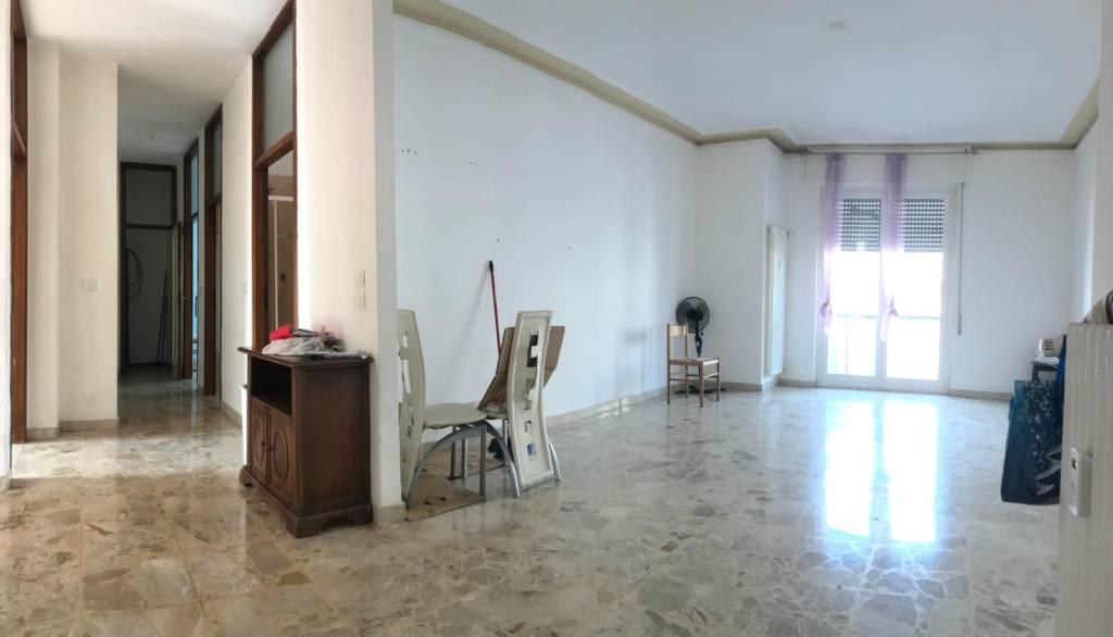 Appartamento in buone condizioni in vendita Rif. 7541675