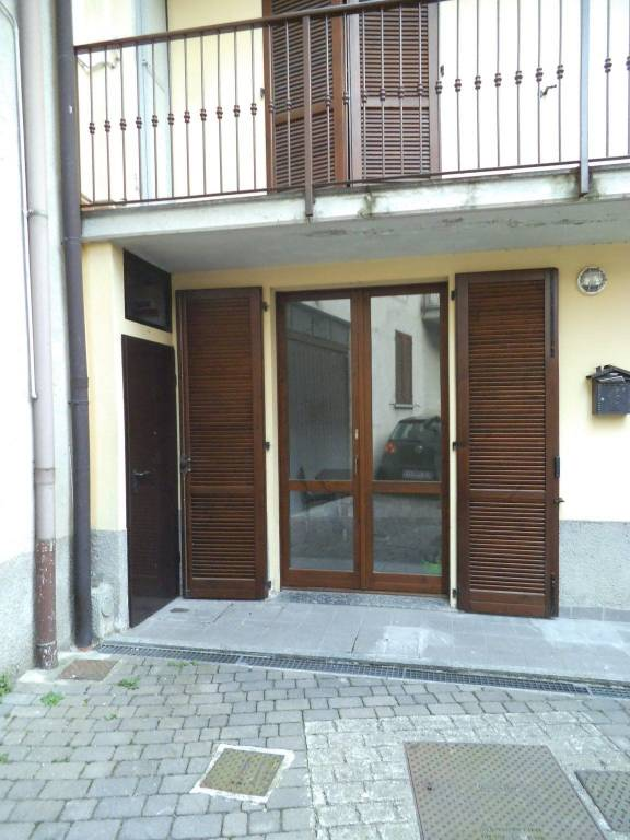 Appartamento in buone condizioni in vendita Rif. 8109088