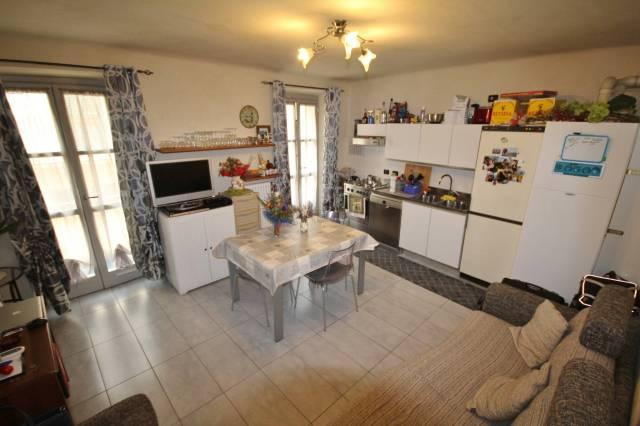 Appartamento in buone condizioni in affitto Rif. 7297518