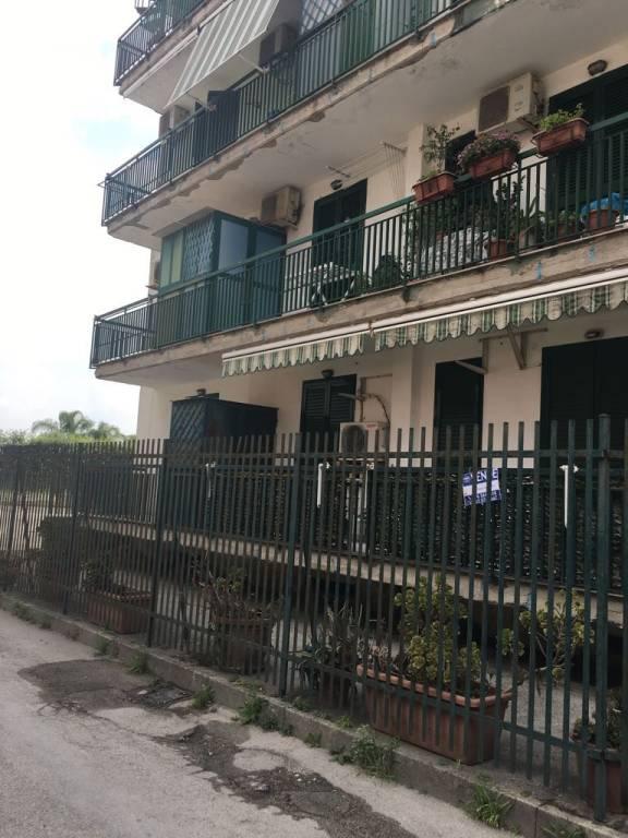 Appartamento in buone condizioni parzialmente arredato in vendita Rif. 7794786