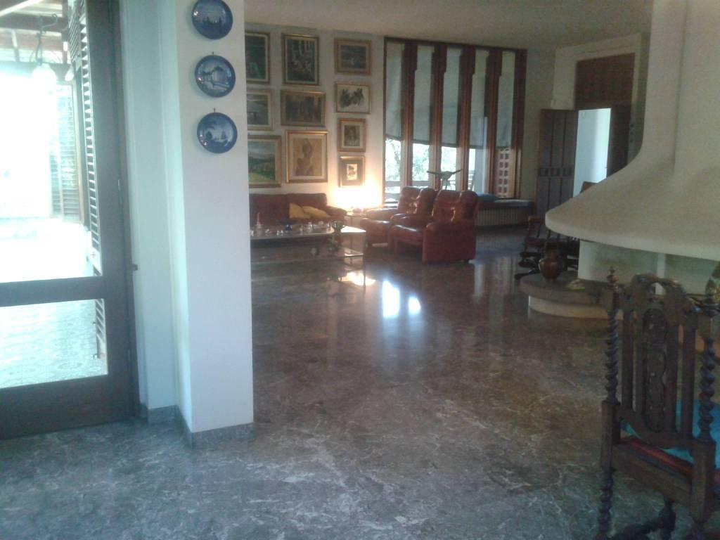 Villa in buone condizioni in vendita Rif. 7795740