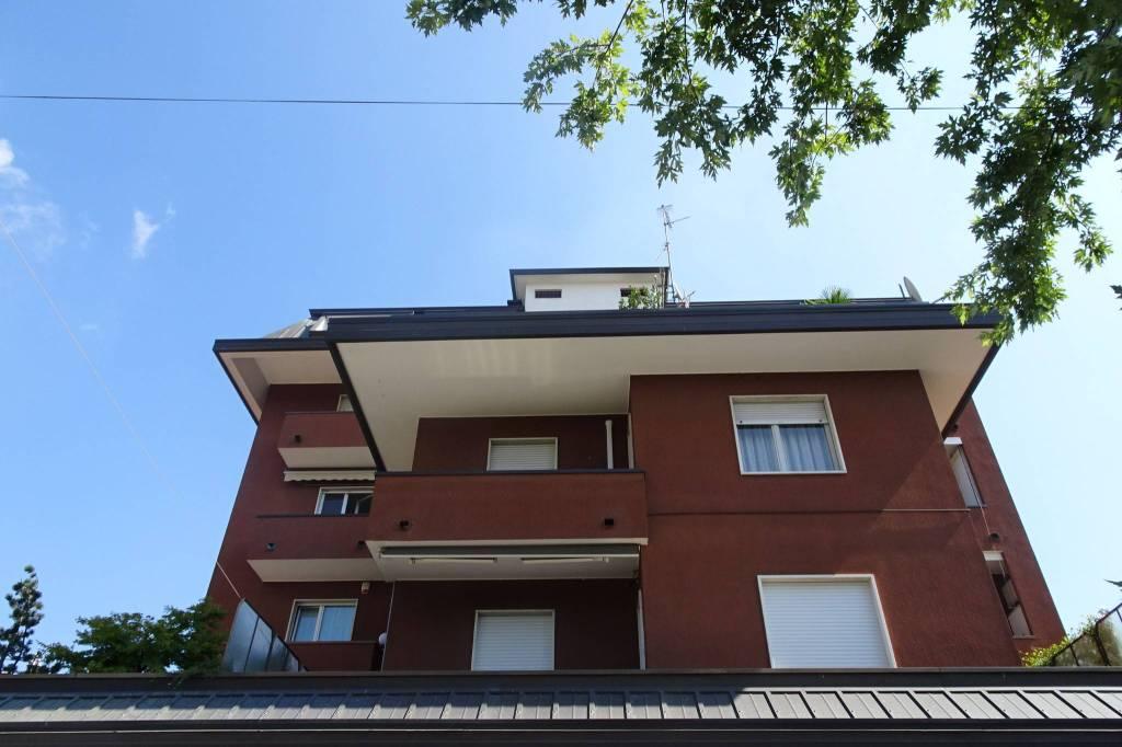 Appartamento in ottime condizioni arredato in affitto Rif. 7793509