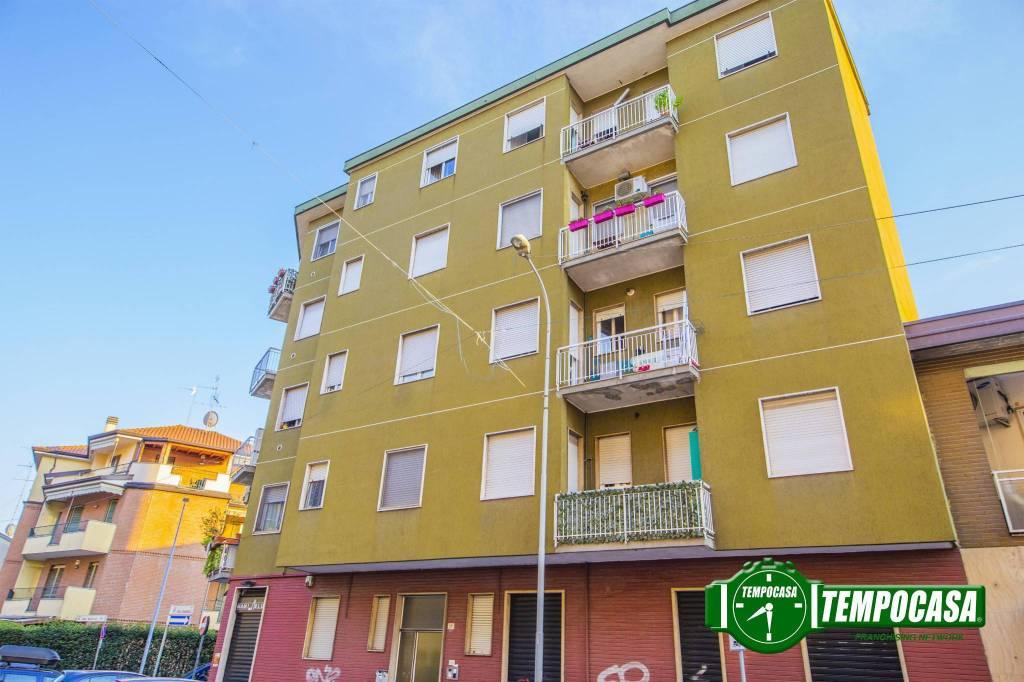 Appartamento in buone condizioni arredato in vendita Rif. 7794421